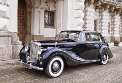 What is Classic Car Insurance and How to Get it? 1